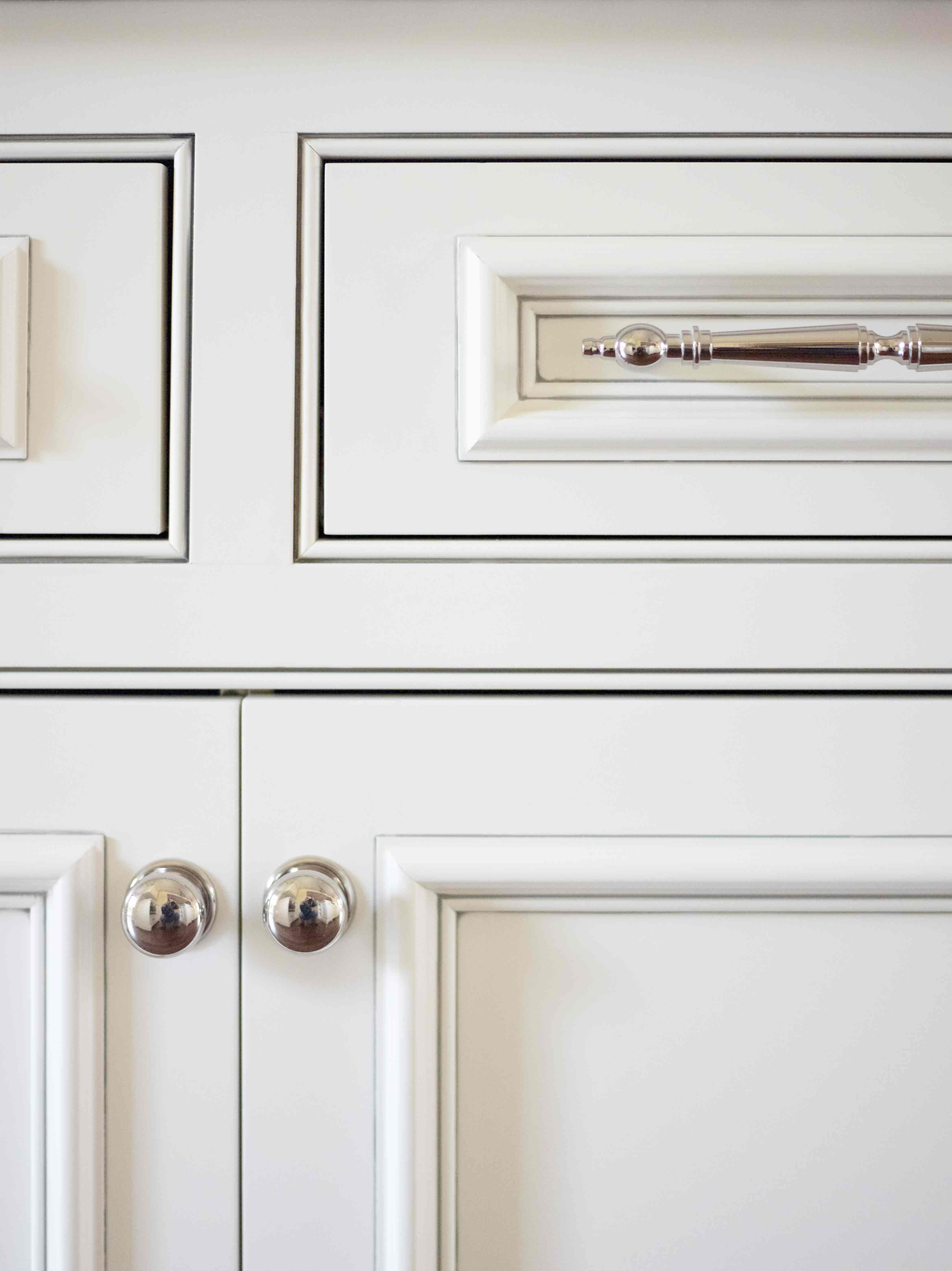 Kitchen cabinets inset doors simply beautiful kitchens for Beaded inset kitchen cabinets